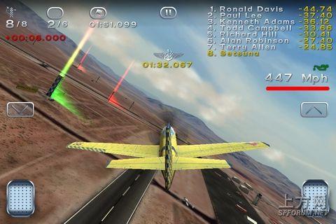 飞机的外观与背景,驾驶舱第一人称视角操控也让我们