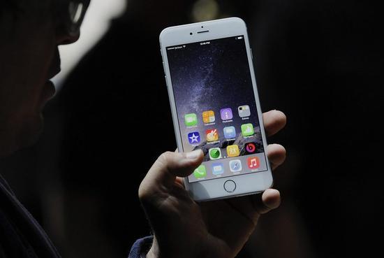 比起手机厂商 苹果现在看起来更像是游戏公司